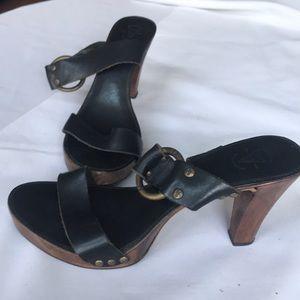 Frye Shoes - 8.5 Frye Sandals 👡 Black